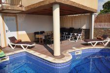 Chalet avec piscine à Alcanar